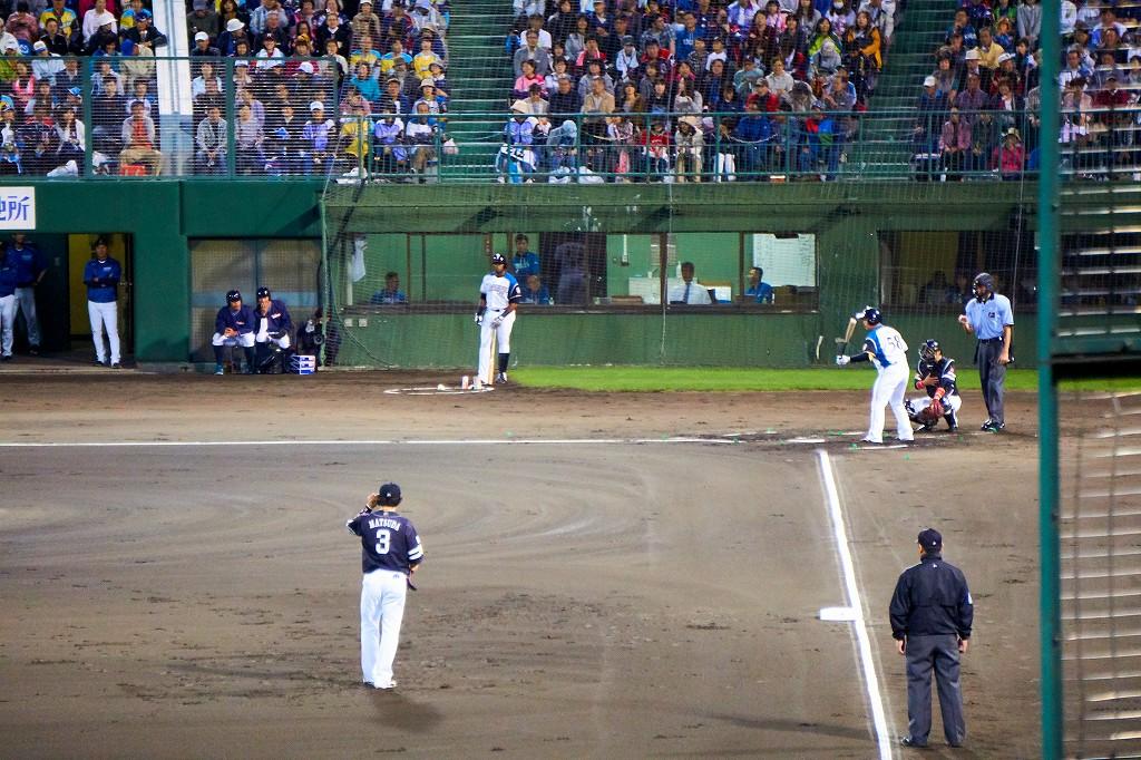 ラ・マルタの特大サンドを食し、旭川でプロ野球観戦!
