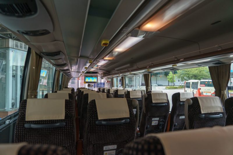 バスの内部