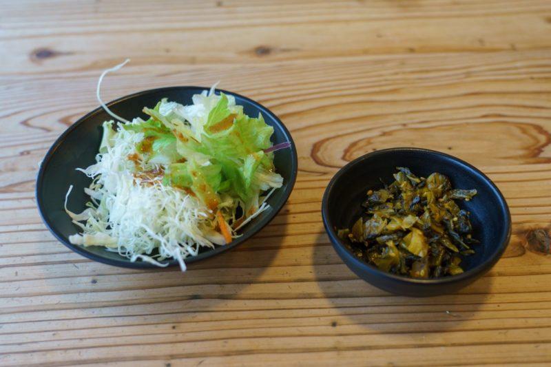 サラダと高菜