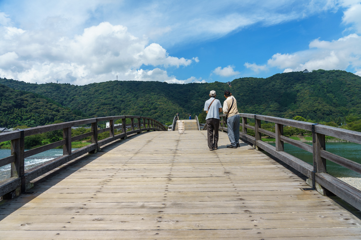 錦帯橋を歩く
